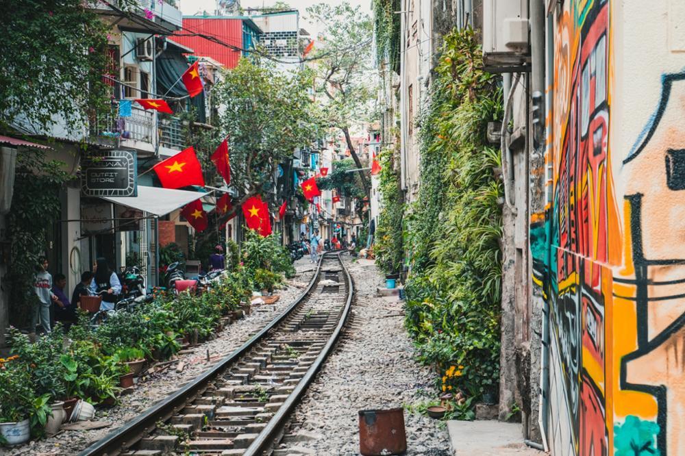 La fameuse rue du train d'Hanoï désormais fermée aux touristes